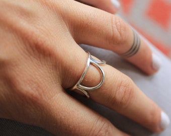 Sterling Silver Crown ring combining four half-circle on a half moon ring