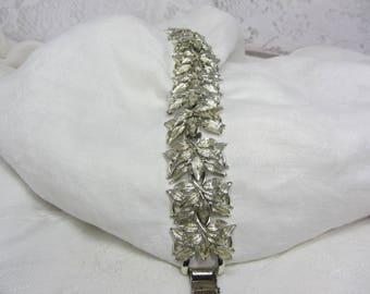 Vintage Coro Pegasus Silver Tone Leaf Link Bracelet