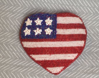 Heart-Shaped American Flag Beaded Coin Purse