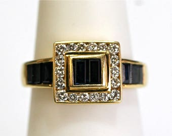 Sapphire/Diamond Ring in 18k Yellow Gold