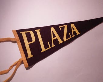 1950's Plaza Pennant