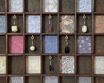 Vintage Printers Tray Artwork - William Morris Theme & Costume Jewellery