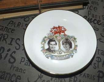 Vintage (c.1981) Hammersley England Commemorative Trinket Dish celebrating the Royal Wedding of HRH Prince Charles to Lady Diana Spencer.