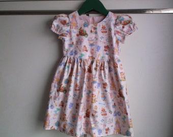 Tea party on peach dress