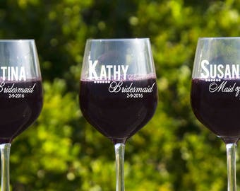 Bridesmaids Gift Ideas, Personalized Glasses, 12 Red Wine Glasses, Gifts For Bridesmaids, Wedding Gift Ideas, Bridal Shower Favors, Engraved
