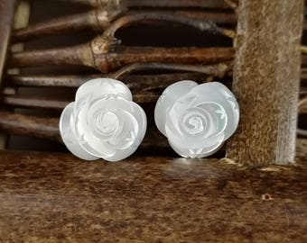 10pcs 10mm White Mother of Pearl Flower Beads White Shell Carved Flower MOP Flowers 3-petal Rose Flower