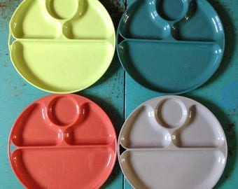 Set of Four Vintage Stacking Plastic Plates * Lustro Ware * Colorful Sectioned Plate * Gray / Turquoise Blue / Coral Pink / Chartreuse Green