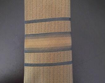 Vintage 1950s men's skinny necktie by Newcastle excellent condition