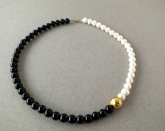 black and white necklace, black necklace with pearl, black necklace, onyx necklace, black onyx necklace, pearl necklace