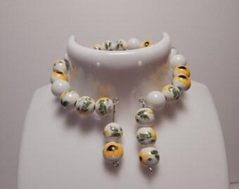 Memoir wire Bracelet with dangles, Fashion Bracelet, Pearl style Bracelet