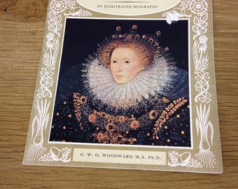 "The pictorial history of Queen Elizabeth I ( "" Pride of Britain "" pictorial books) Booklet in Good Condition"