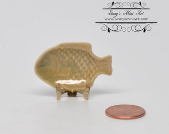 1:12 Dollhouse Miniature Fish Serving Platter/ Miniature Plates BD B079