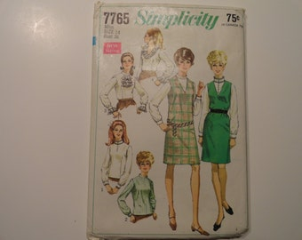 Simplicity  Vintage 1968 Jumper and Blouse sewing Pattern Misses size 14 Bust 36