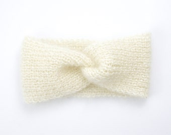 Knitted in mohair and silk, color ecru and silver headband