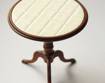 Miniature: Wooden talbe with real tiles