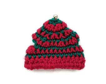 Christmas beanies for bunnies, red, green Christmas hat with jingle bell, pet rabbit beanies, pet rabbit clothes and accessories, Christmas