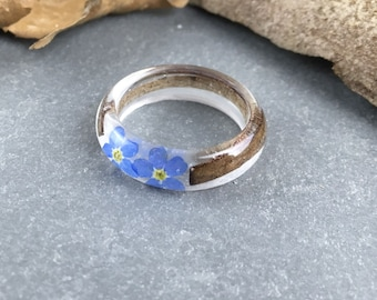 Resin ring-bark ring-wood ring-resin rings-forget me not- forget me nots ring-gift-terrarium ring-resin jewelry-resin jewellery-forest ring