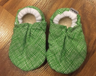 Green and white moccs, nd hockey booties, ND pride booties, green and white booties, hockey gift, school pride infant