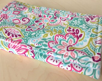 Floral burp cloth with flannel lining and minky dot back. Girl burp cloth. Baby shower gift. Burp rag.