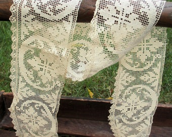 ANTIQUE FILET LACE trim or edging / unusual handmade Italian knotted mesh lace with Art Nouveau pattern, Ecru / Arts and Crafts decor