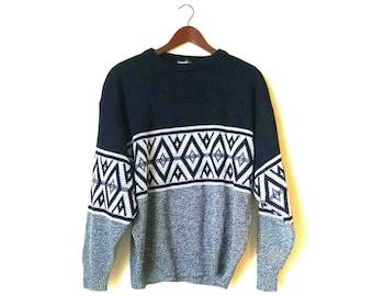 Vintage minimalist Aztec southwestern tribal acrylic sweater