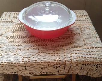 Pyrex Flamingo pink 2 quart round covered casserole