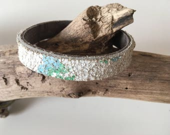 Tough and stylish Crackle leather bracelet in HappineZstijl, one design two looks!!!