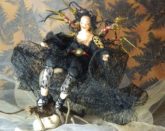 Jorōgumo the Hunter : OOAK yurei serie Japanese doll