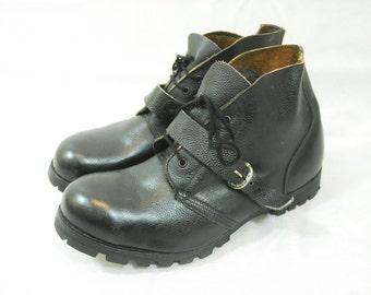 Vintage Black Scotchgrain Leather Strap Over Safety Boots Avon Lug Sole UK 12