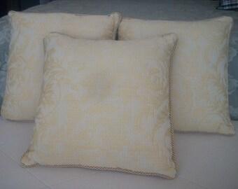 DECO CUSHIONS. set of 3 cushions - filling Holofil Dacron.