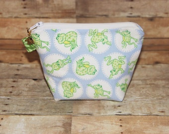Padded Zippered Pouch Cosmetic Accessory Pouch with Comical Frogs Print