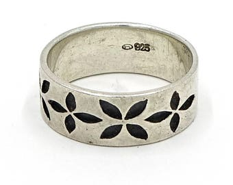 Debossed Flower Sterling Silver Band Ring