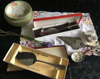 Vintage boxed Cake server / pie server/ tart server