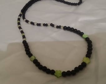 long necklace of jade and mother of pearl beads
