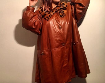 Vintage Brown Leather Coat for Woman size M,