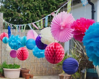 15 cm pompons decoration paper for wedding in vanilla