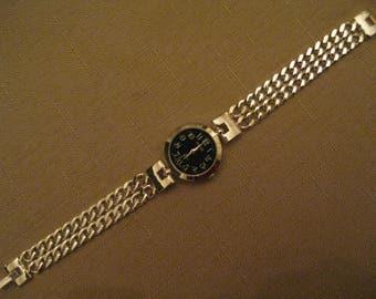 Un Worn Watch Black Face Silver Tone Watchcase And Chain Link Watch Band Womens Quartz Watch