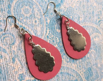 Teardrop pink leather with metal accent earrings, pink leather and metal teardrop earrings, rose pink leather earrings