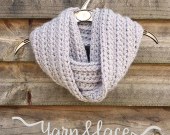 small/medium super soft and chunky infinity scarf. Light grey ribbed crochet cowl.