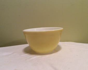 Vintage Pyrex Primary Mixing Bowl Yellow Small Nesting Made in USA 28 #401 1 1/2 pint