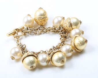Beautiful 1960s Vintage Bracelet Gold Tone and Faux Pearl