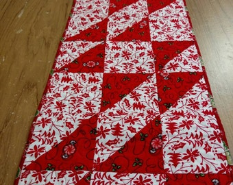 Quilted Christmas Table Runner; Red White Christmas Table Runner; Christmas Table Runner