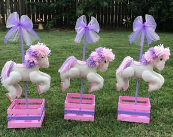 Carousel horse centerpiece for baby shower, Centerpiece for birthday party, Centerpiece for baptism, Pink horse carousel, Horse Carousel