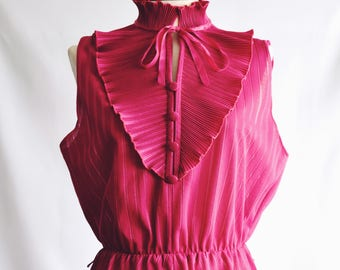 Dress with Fuchsia Victorian collar.