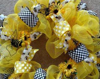 Bee U Tiful Wreath