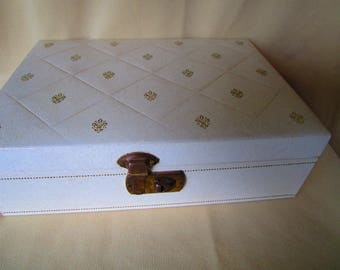 Jewelry Box Mele Retro style Cream colored leatherette with gold embossing and red velvet interior Jewelry Storage