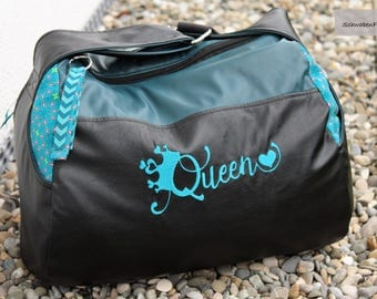 """""""Queen"""" made of synthetic leather cylinder bag"""