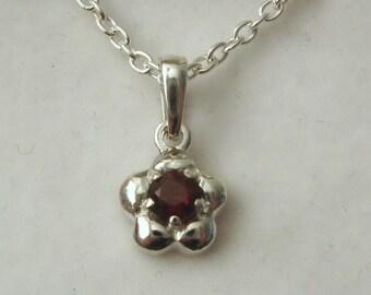Solid 925 Sterling Silver January Birthstone Daisy Garnet Pendant