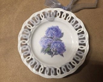 Vintage home decor plate, flowers, wall decor