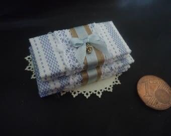 Bundle or dollhouse linen 1/12th scale